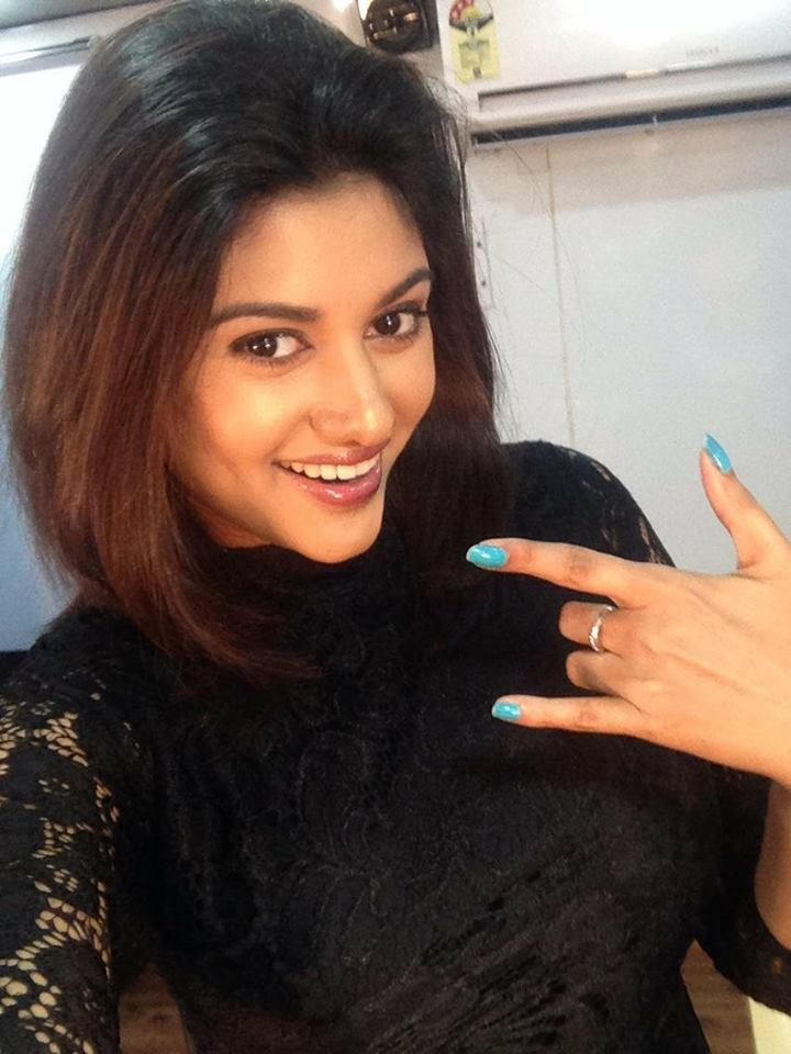 Manisha Yadav Cute Smiling Pictures
