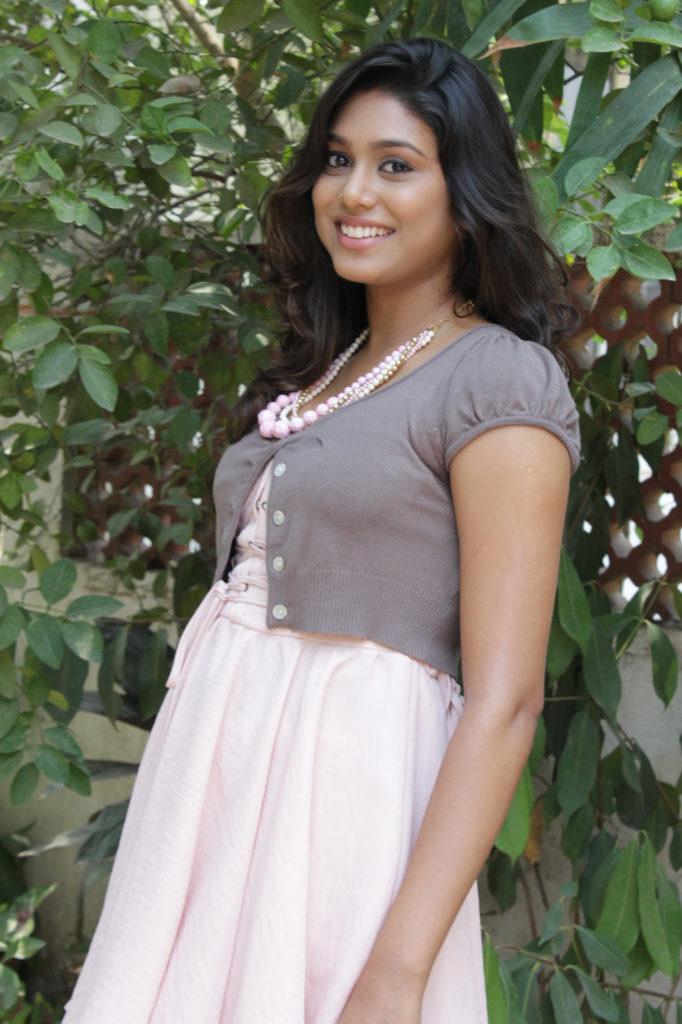 Manisha Yadav New Hair Style Pics