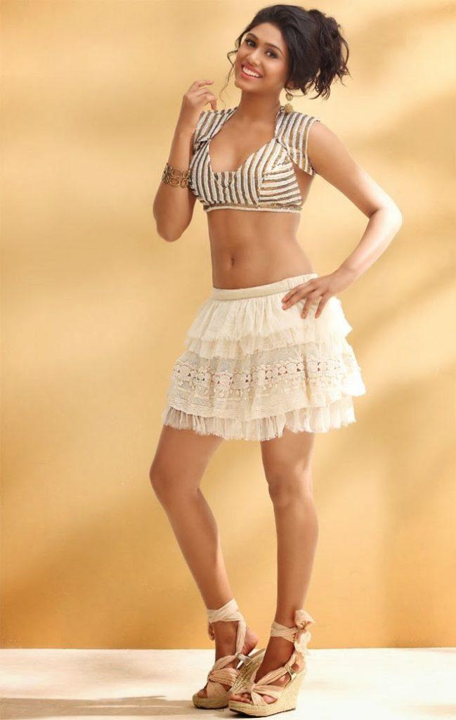 Manisha Yadav New Pics In Undergarments