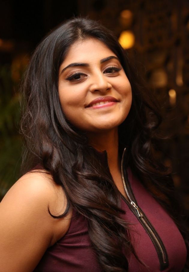 Manjima Mohan HD Sexy Pictures Download