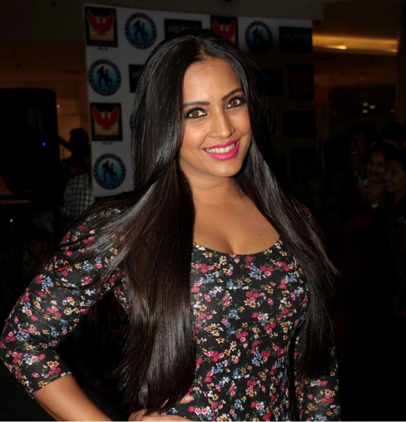 Meghna Naidu Cute Smiling Pics