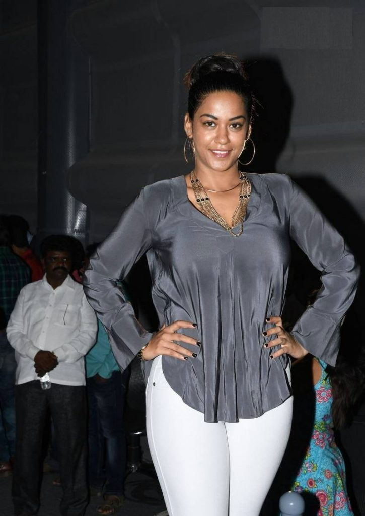 Mumaith Khan Hot HD Sexy Pictures In Jeans