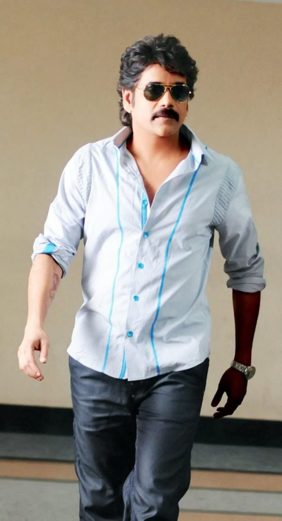 Nagarjuna Lovely Pics In Jeans Shart