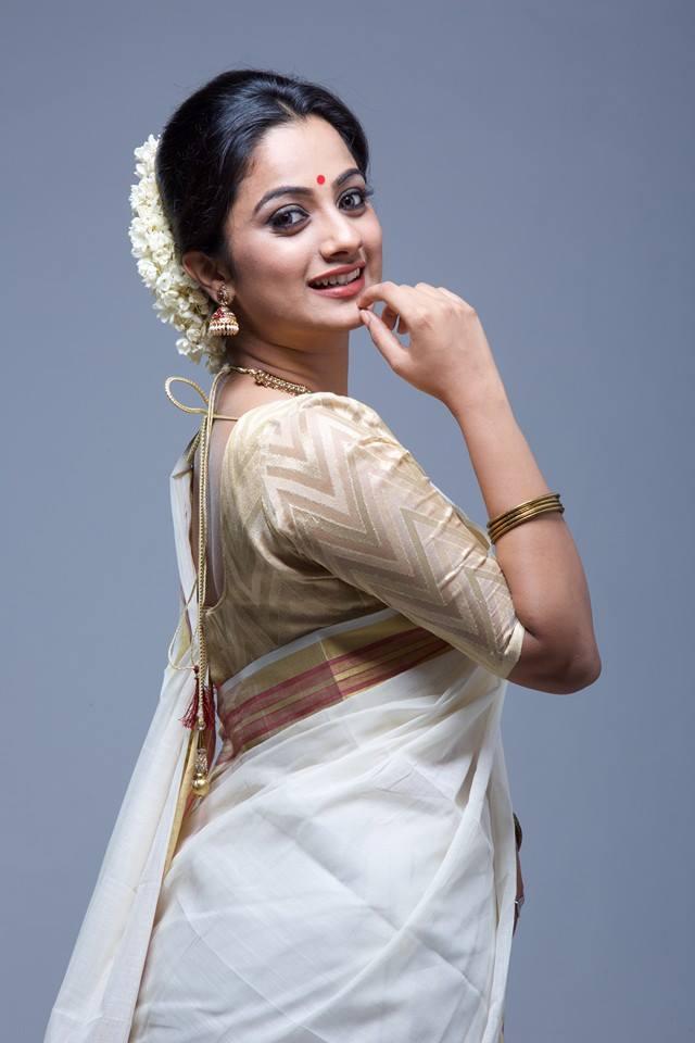 Namitha Pramod Hot Pics In Backless Saree