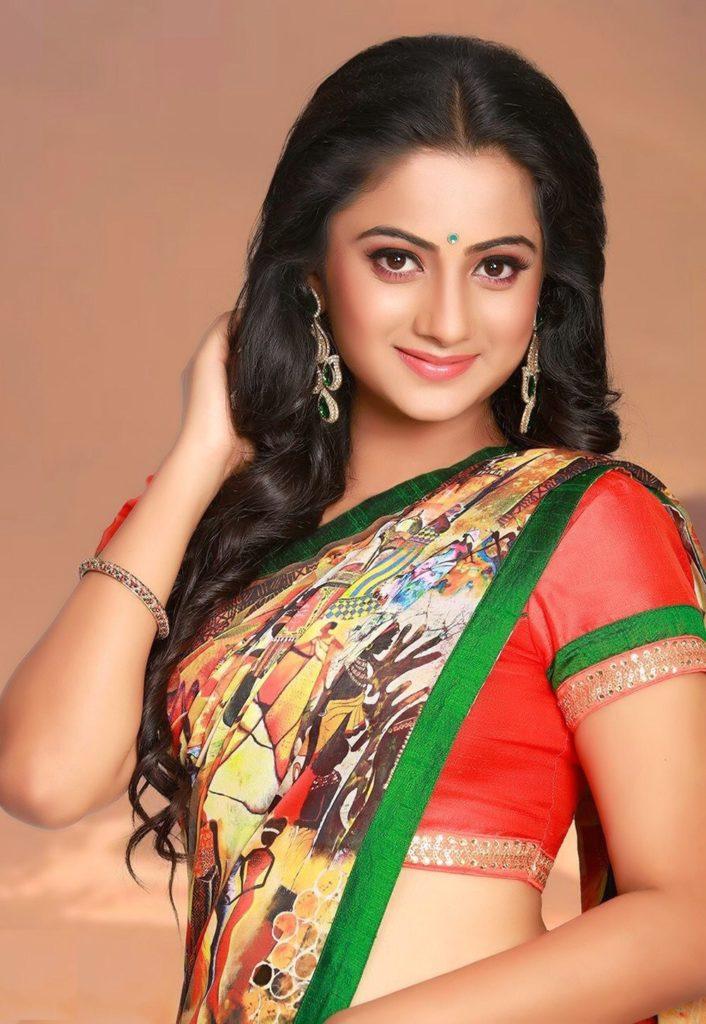 Namitha Pramod Spicy Navel Pics In Saree