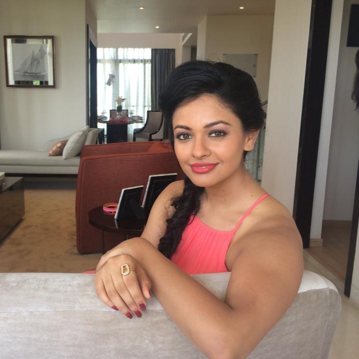 Pooja Kumar HD Sexy Pics Download