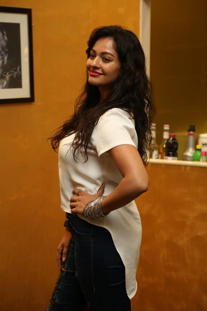 Pooja Kumar Hot Images In Jeans Top