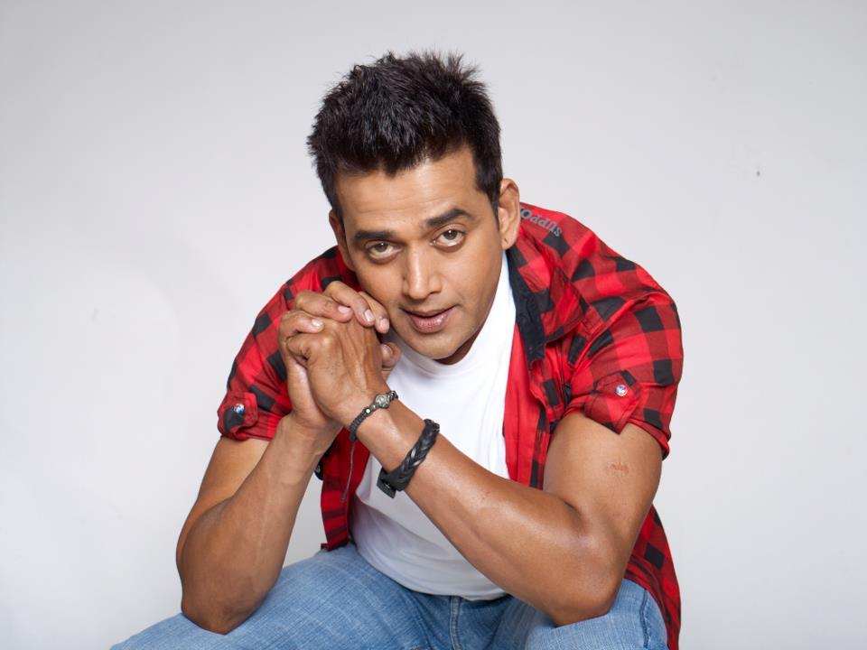 Ravi Kishan New Hair Style Pics Gallery