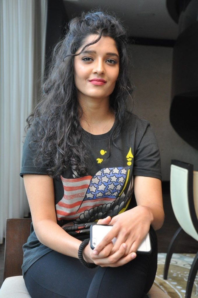 Ritika Singh Cute HD Sexy Pictures