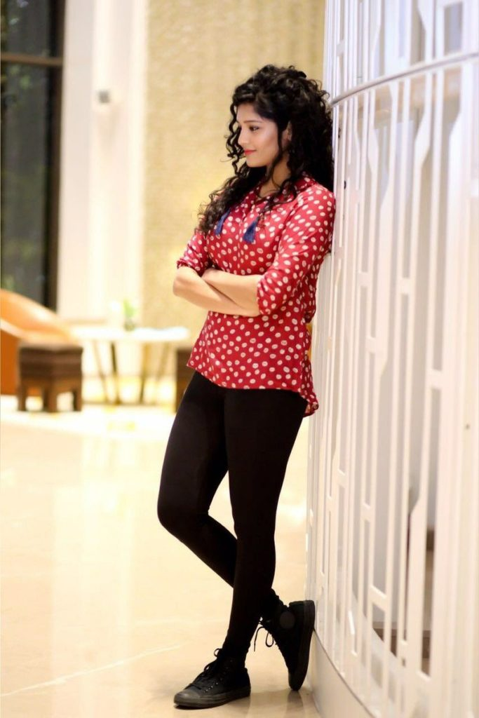 Ritika Singh HD Sexy Wallpapers In Jeans Top