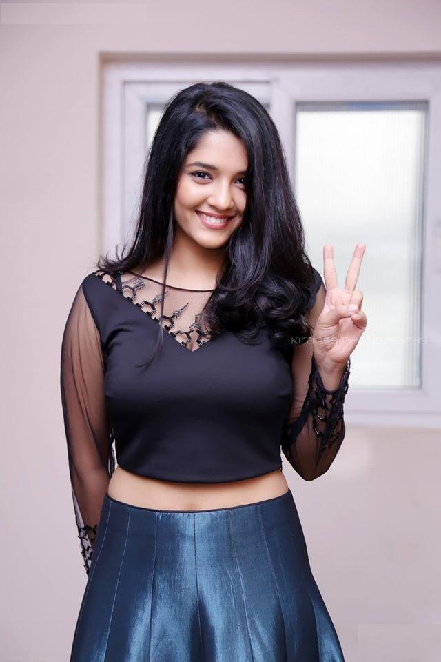 Ritika Singh HD Sexy Wallpapers