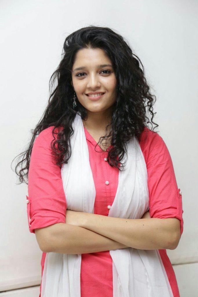 Ritika Singh Hot