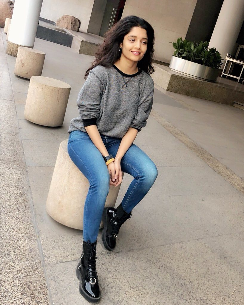 Ritika Singh Hot HD Sexy Pics In Jeans Top