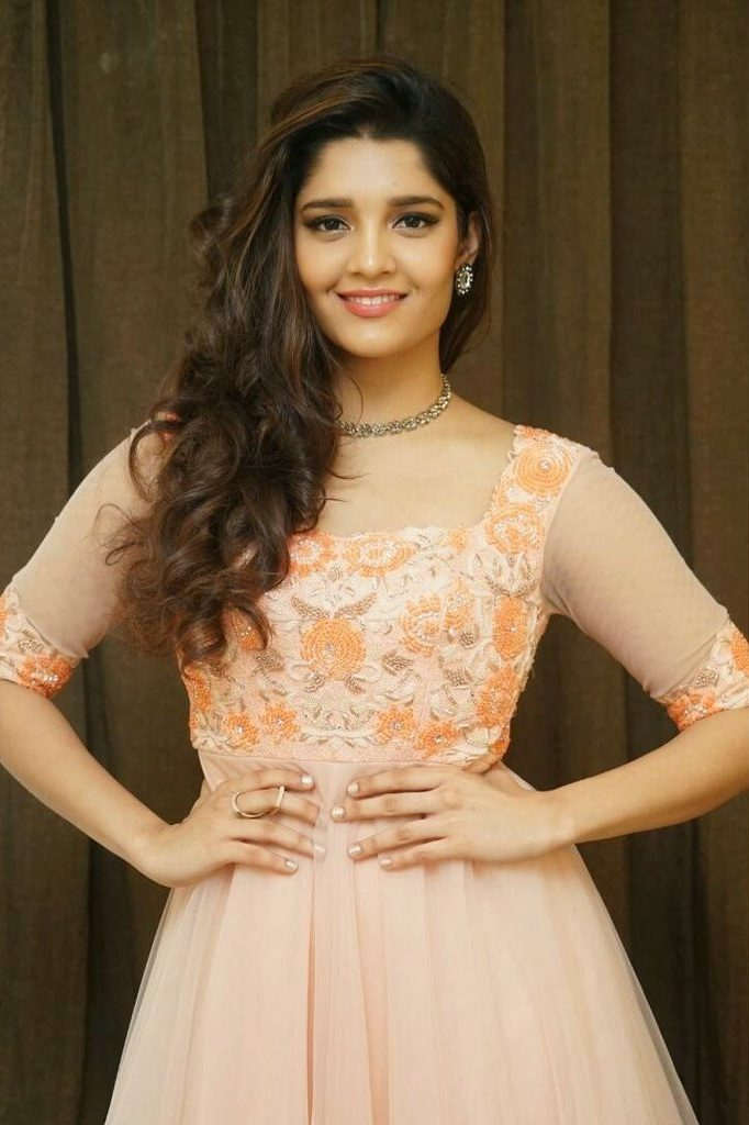 Ritika Singh Hot Images Download