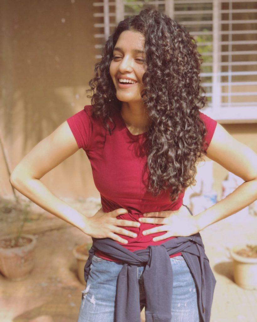 Ritika Singh New Hair Style Photos
