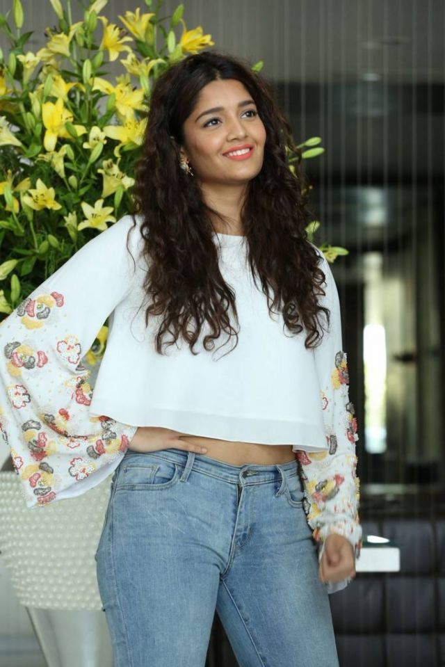 Ritika Singh Spicy Navel Photos In Jeans Top