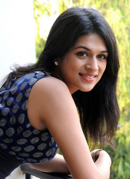 Shraddha Das Cute Smiling Photos