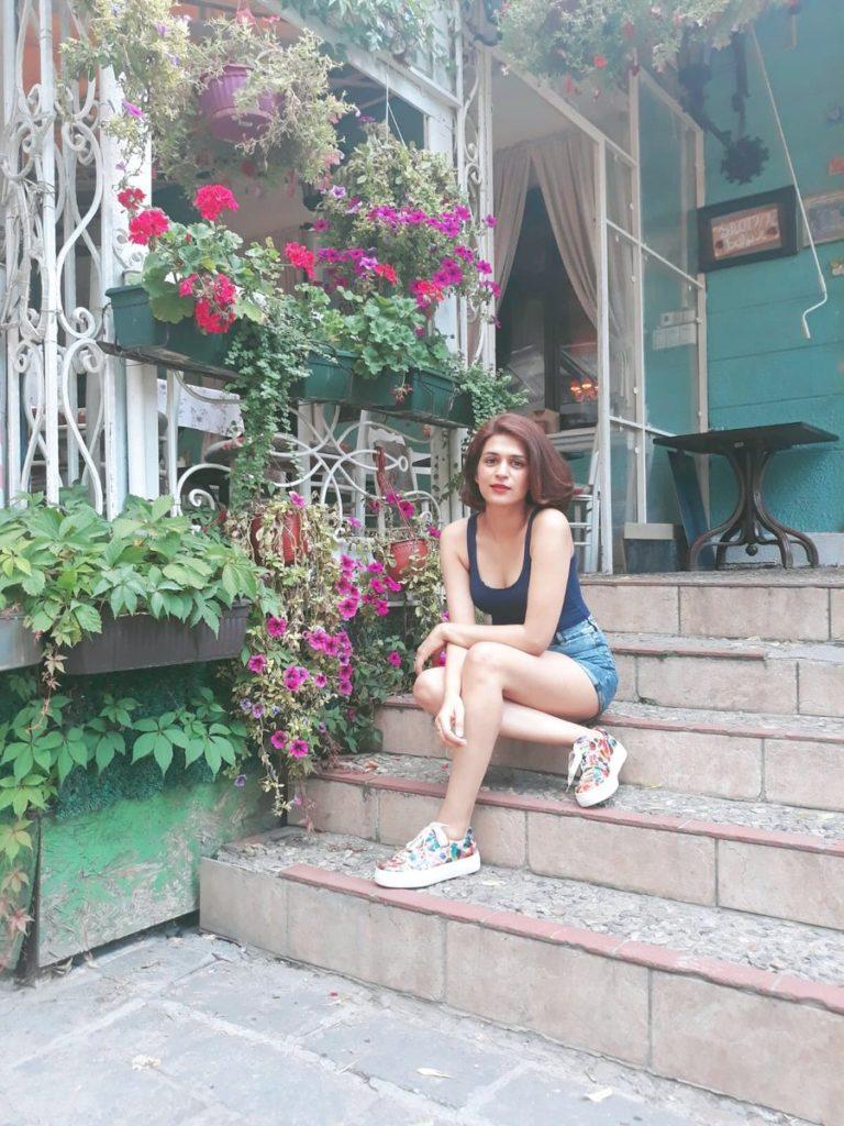 Shraddha Das HD Sexy Legs Photos