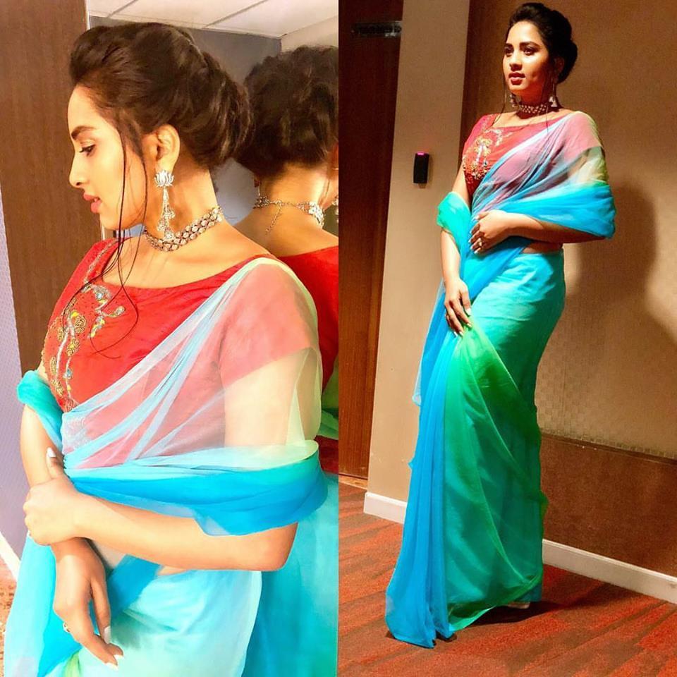 Srushti Dange Bold Sexy Pics In Saree