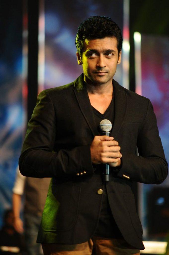 Suriya Cute Pics At Award Show