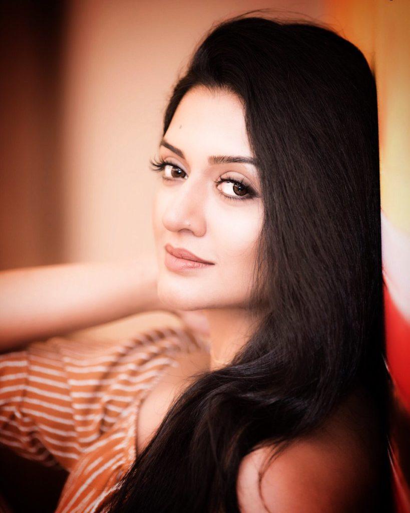 Vimala Raman Cute Pics Download