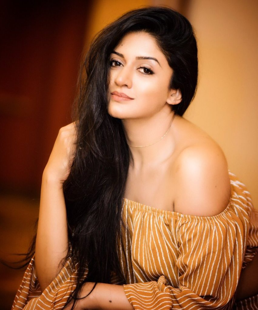Vimala Raman Hot Pics In Offsholder Clothes