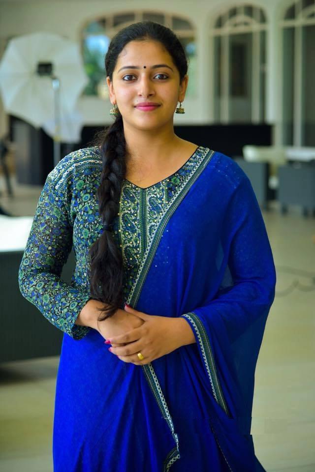 Anu Sithara New Pics Download