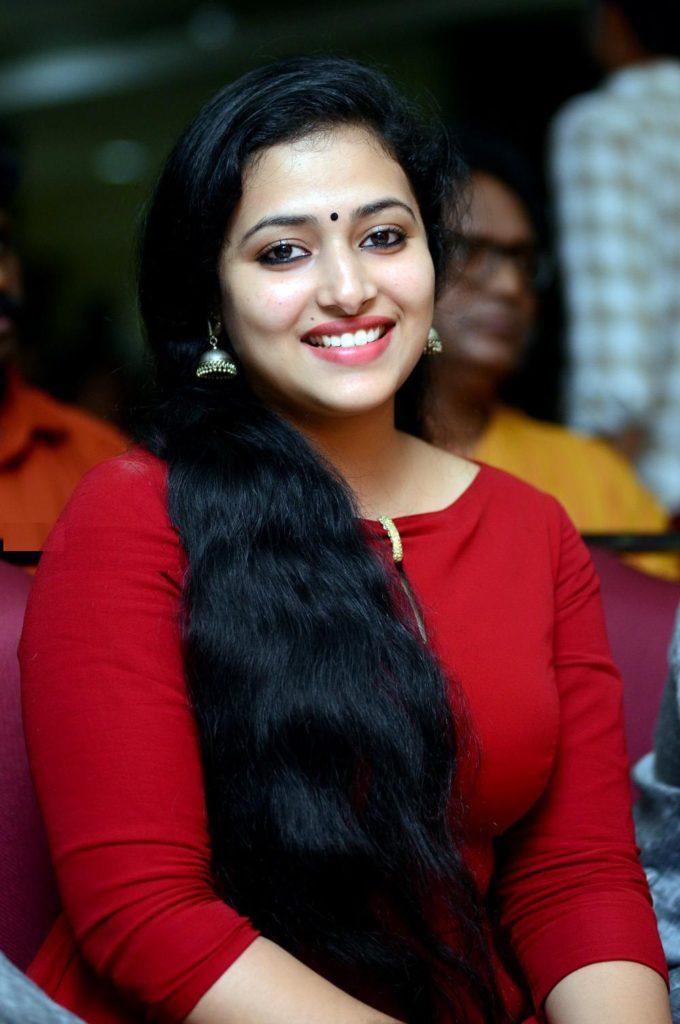 Anu Sithara Sexy Eyes Pics