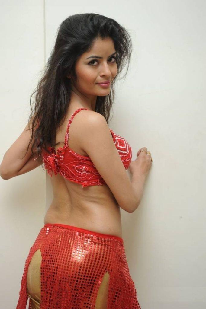 Gehana Vasisth Hot In Backless Saree