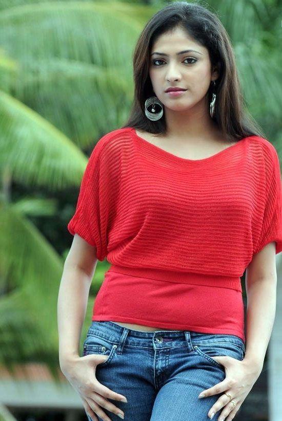 Haripriya Hot Images