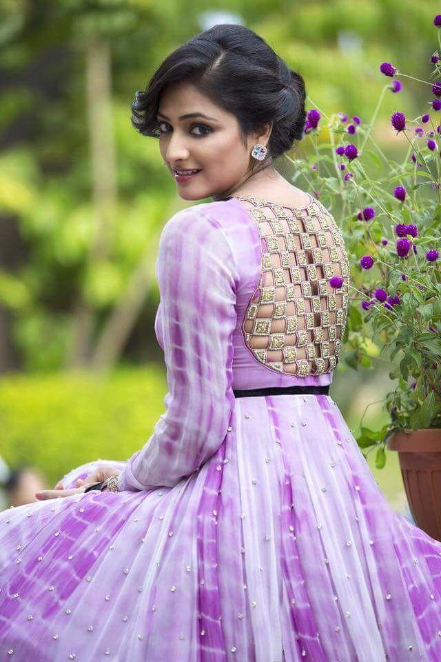 Haripriya In Backless Saree Photos