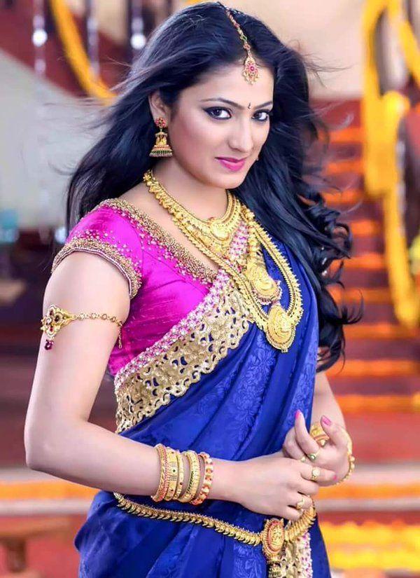 Haripriya Sexy Pics
