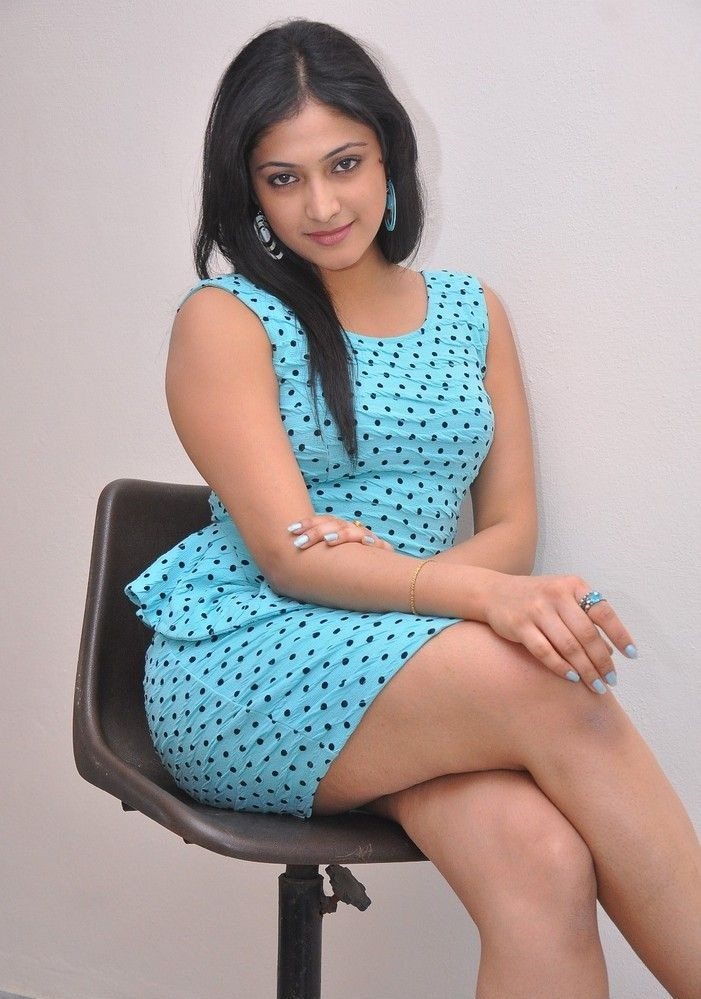 Haripriya Sexy Thigh Photos