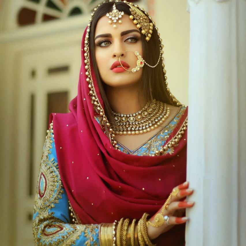 Himanshi Khurana New Wallpapers