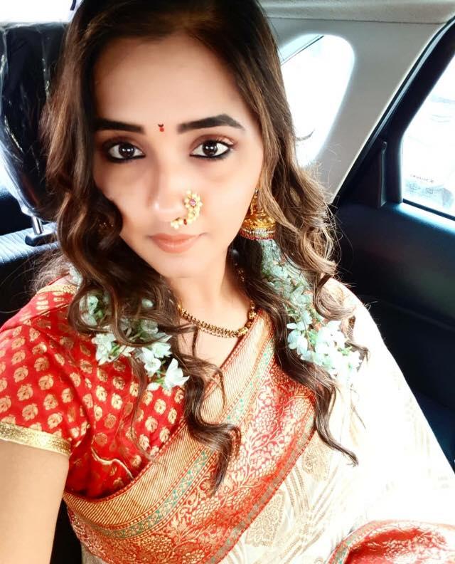 Kajal Raghwani Hot Selfie Pics