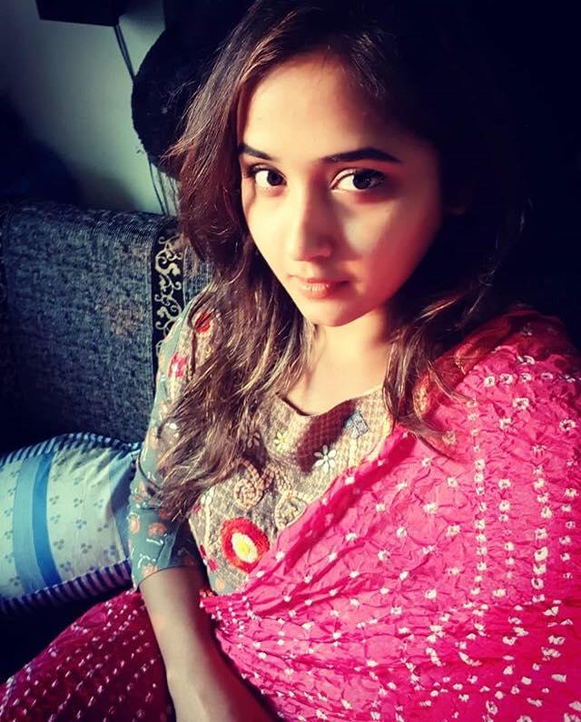 Kajal Raghwani New Hair Style Images