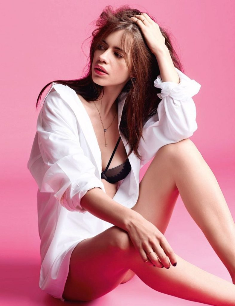 Kalki Koechlin Hot In Shorts Pictures