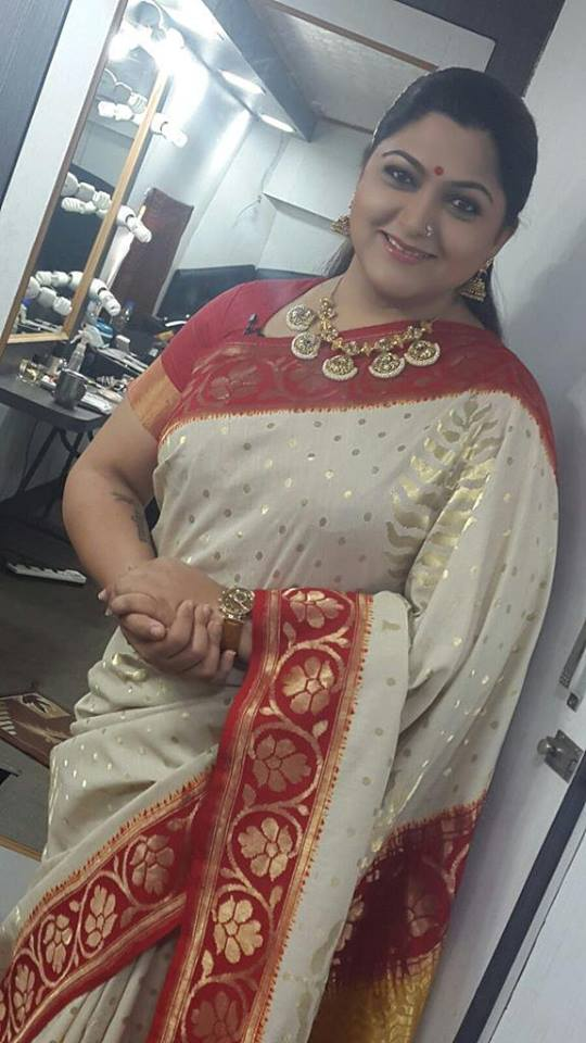 Kushboo In Saree Pics