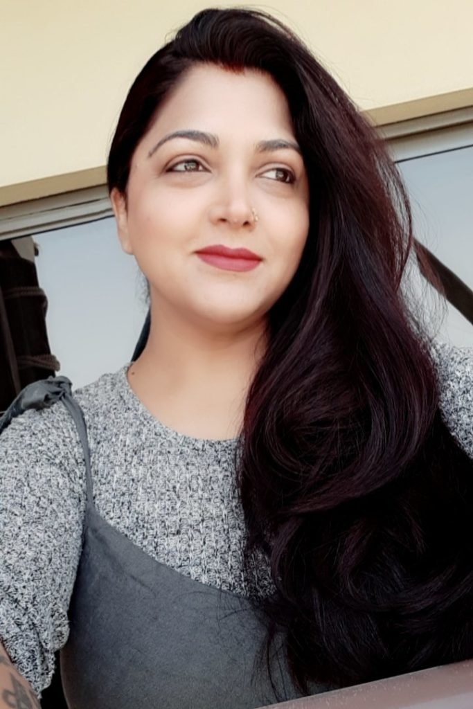 Kushboo New Hair Style Pics