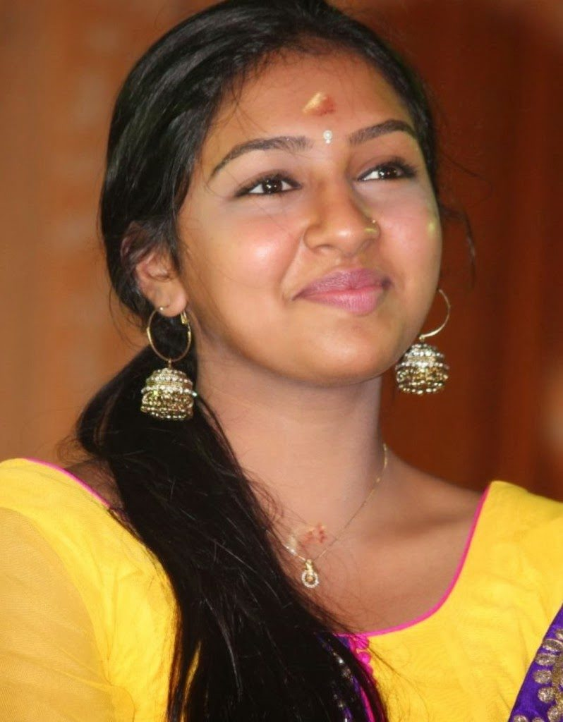 Lakshmi Menon New Wallpaeprs At Awards Show