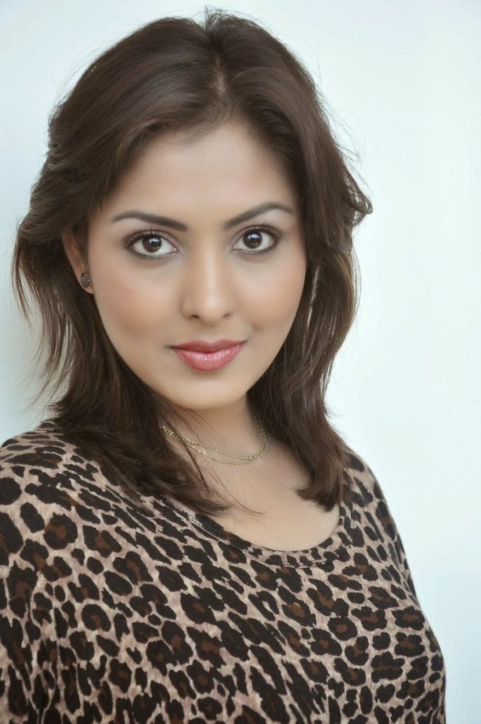 Madhu Shalini Cute Pictures Gallery