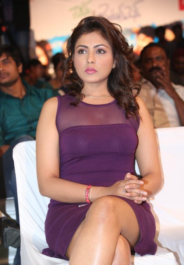 Madhu Shalini Sexy Legs Pics In Shorts