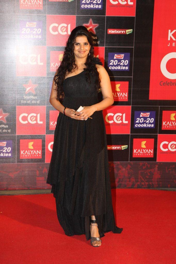 Madhu Sharma Hot Images At Award Show