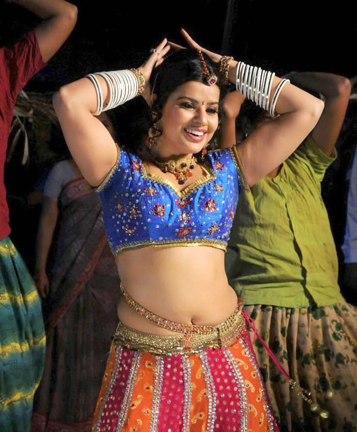Madhu Sharma Navel Pics In Gagra Choli