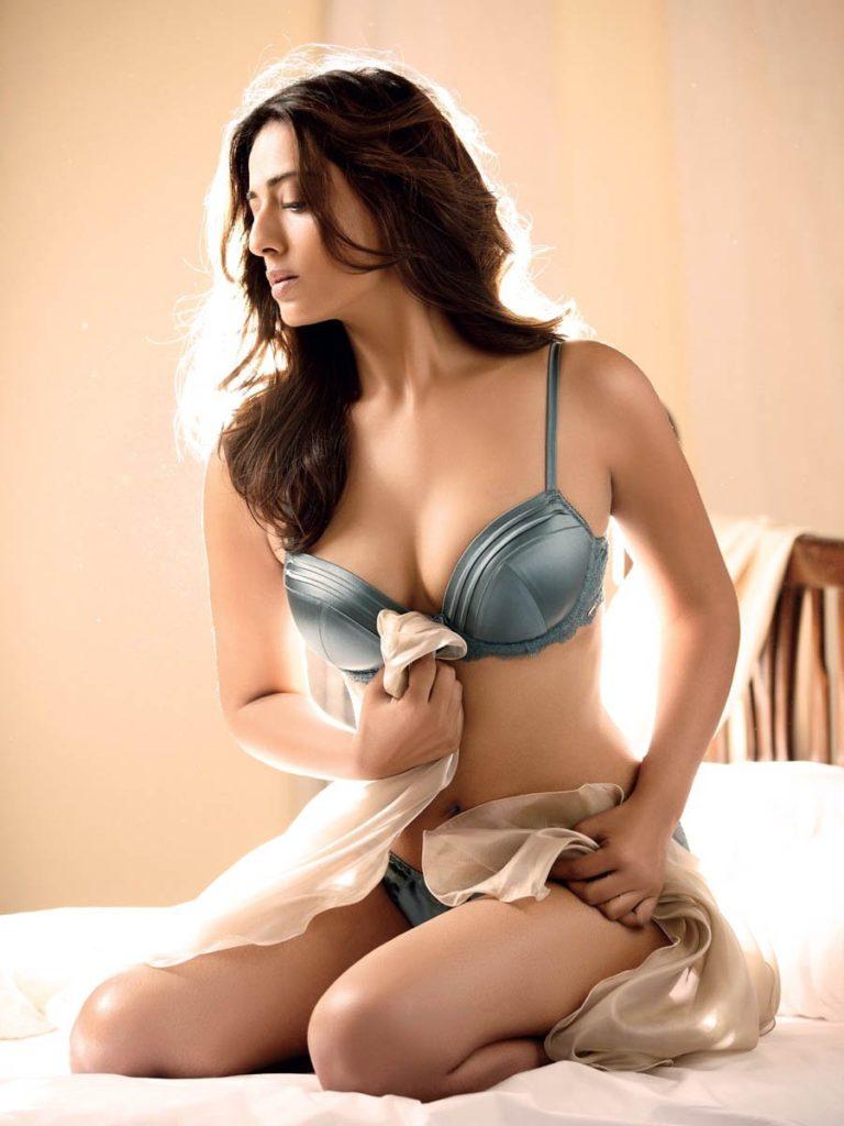 Mahi Gill In Bikini Bra Images