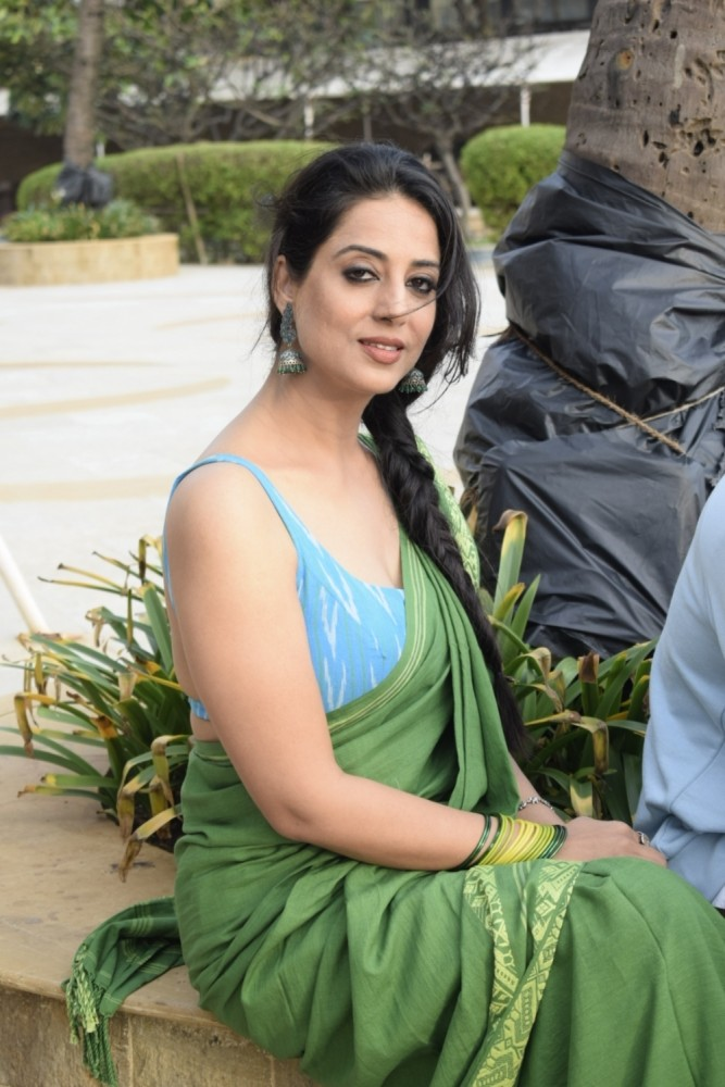 Mahi Gill New Hair Style Photos