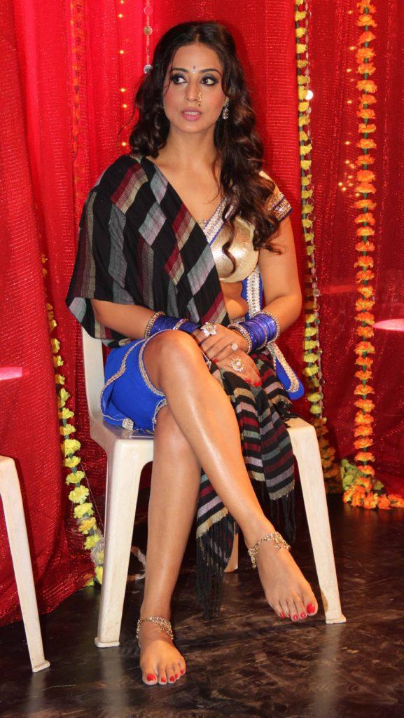 Mahi Gill Sexy Legs Photos