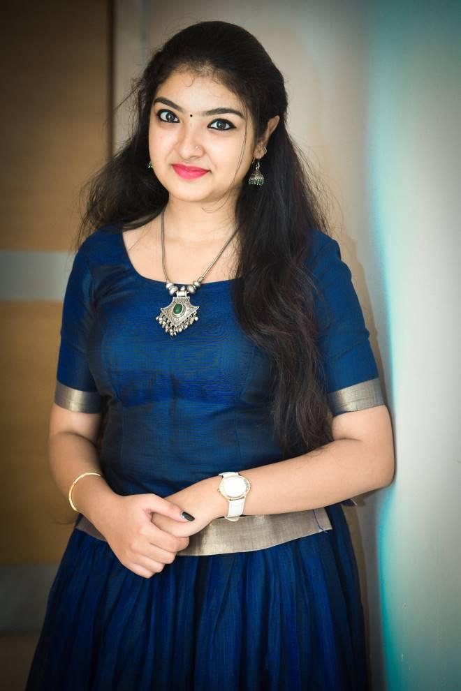 Malavika Nair HD Sexy Pics