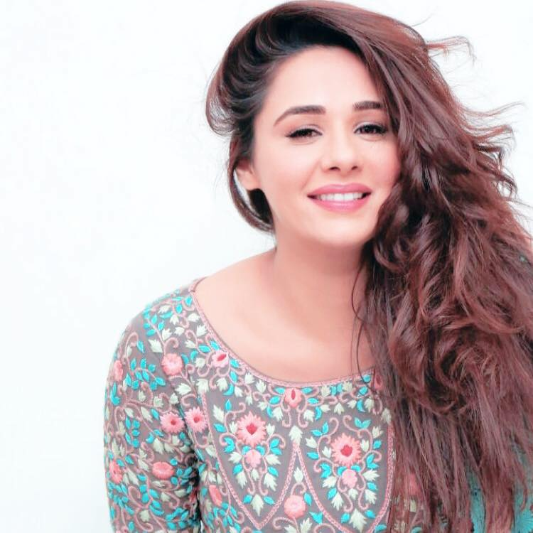 Mandy Takhar Cute Photos