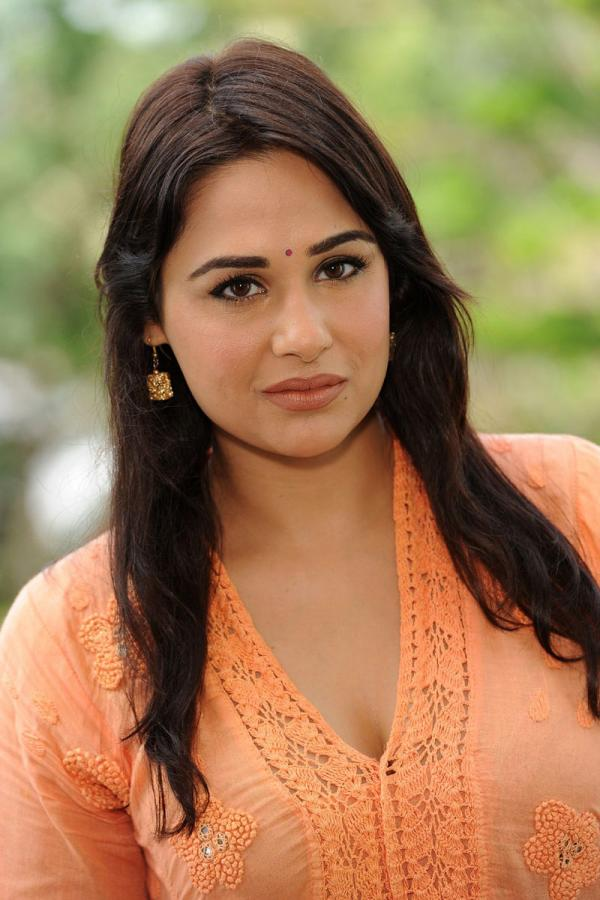 Mandy Takhar Sad Pictures